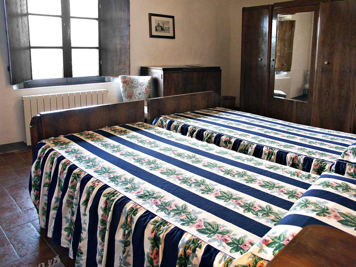 Casa da Guardia beedrom: large and bright the bedroom is ideal for families on holiday